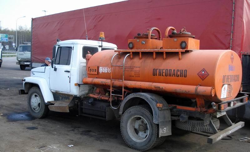 Рабочая группа при УФАС Ленобласти провела первую выездную проверку нелегальных продавцов нефтепродуктов